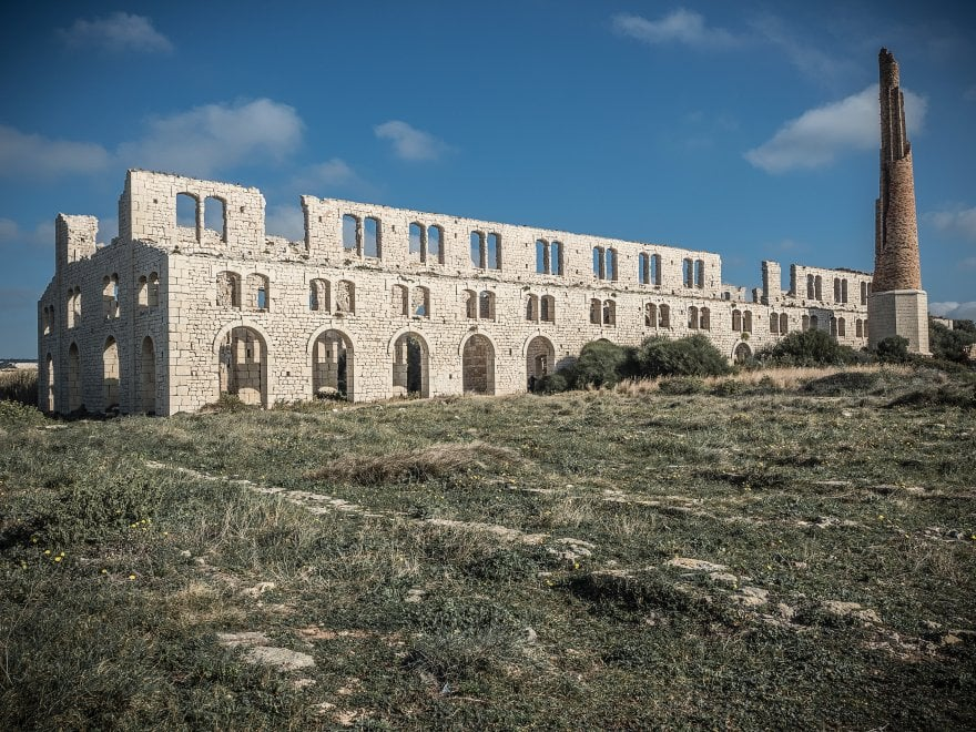 Sicilia, da Villa Napoli al castello Schisò: i 22 monumenti abbandonati da salvare