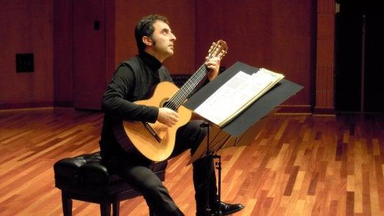 Il '68 e la chitarra di Donato D'Antonio a Musica Ribelle. Gli appuntamenti di mercoledì 16 maggio