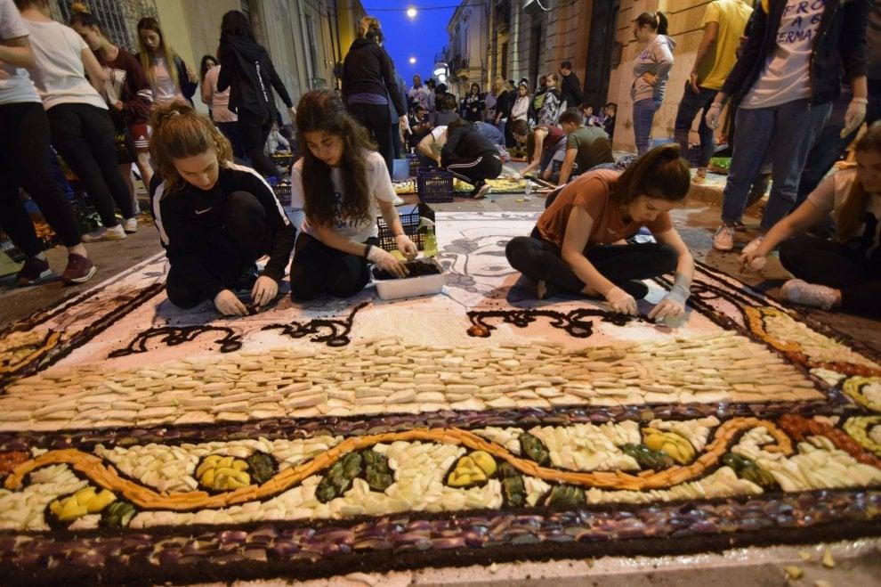 Siracusa, i mosaici vegetali per l'Inverdurata di Pachino