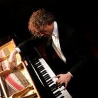 Il pianoforte di Restani al Politeama. Gli appuntamenti di martedì 22 maggio