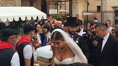 Cefalù, sposa scollata: il vescovo minaccia sanzioni per le nozze del calciatore Tonelli