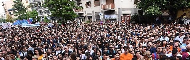 Palermo, il giorno di Falcone: tremila studenti in corteo. Fico: