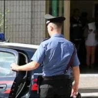Siracusa, molesta la sorellastra di 12 anni: la matrigna lo denuncia