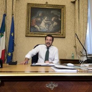 """Salvini: """"La Sicilia è la nostra frontiera, migliorare l'accordo coi Paesi di origine"""". E intanto due sbarchi a Pozzallo e Pantelleria"""