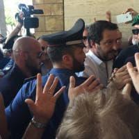 Il vicepremier Salvini contestato durante la prima visita a Catania