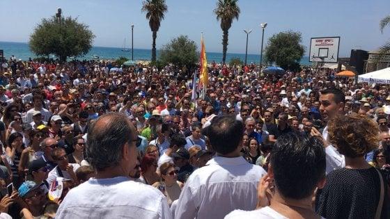 """Di Maio inizia il suo tour in Sicilia: """"Vi faremo il reddito di cittadinanza anche con i soldi dell'Ue"""""""