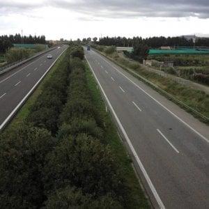 Auto si ribalta in autostrada, un morto e quattro feriti sulla Messina-Palermo