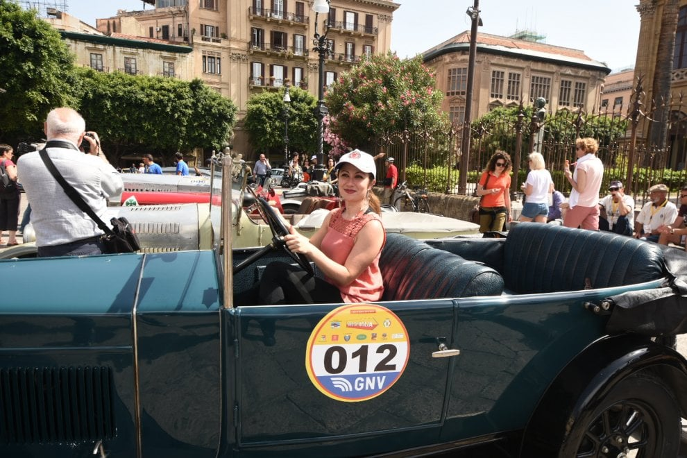 Palermo, 220 auto storiche a piazza Verdi per il Giro di Sicilia