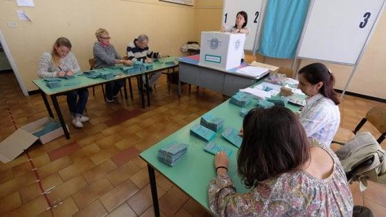 Elezioni comunali in Sicilia, al voto in 138 comuni: affluenza in calo a Catania Messina