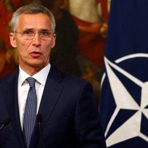 """Migranti, la Nato annuncia: """"Droni di sorveglianza anche in Sicilia"""""""