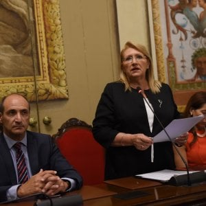 Migranti, la presidente di Malta parla all'Ars e i deputati M5s abbandonano l'aula