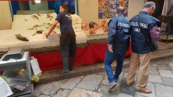 Palermo, chiusa la pescheria di Ballarò dove è stato venduto tonno avariato