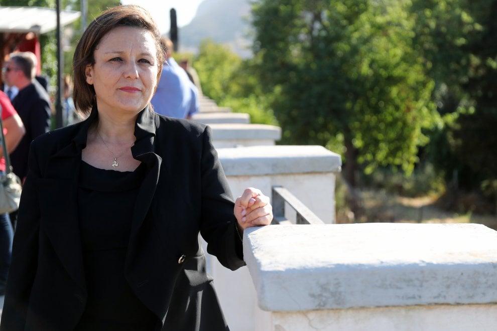 Mafia, la deputata Cinquestelle Piera Aiello mostra il suo viso per la prima volta