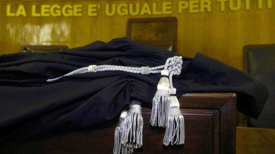 Catania, iniezione letale a imprenditore: chiesta la condanna della compagna