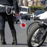 Palermo, i vigili bloccano una prostituta e la convincono a ribellarsi