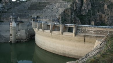 """Rep  :   Acqua e rifiuti, zero interventi  le """"inutili"""" emergenze siciliane"""