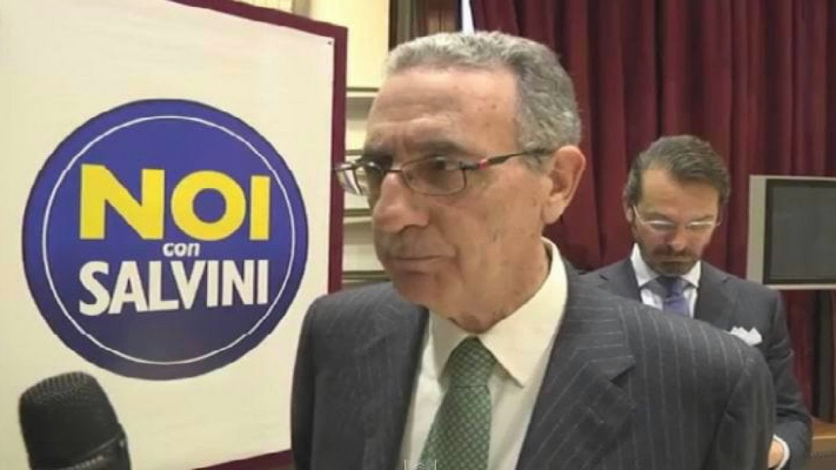 Catania finse di aver subito minacce chiesta la for Subito offerte lavoro catania