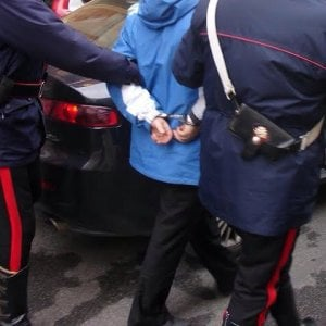 Traffico di esseri umani e riciclaggio di diamanti, 17 arresti dei carabinieri di Palermo