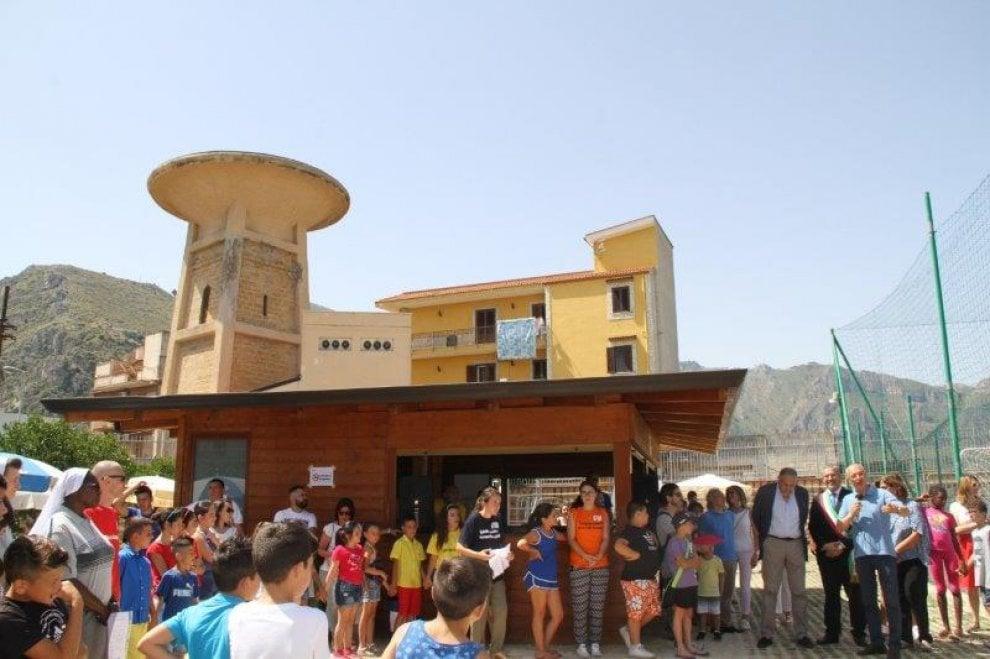 Brancaccio, inaugurata la nuova piscina per le famiglie del quartiere