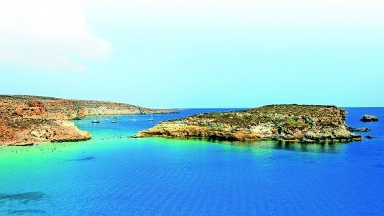 Lampedusa: il sindaco vieta la vendita di piatti e posate di plastica