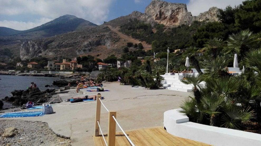 Palermo, nuova pedana alla Baia del Corallo: scoppia la polemica