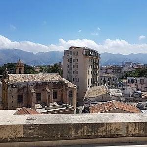Palermo, palazzo pericolante in via Papireto: rischia di crollare, indagati 13 proprietari