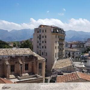 Palermo, palazzo di otto piani sequestrato: entro cinque giorni lo sgombero