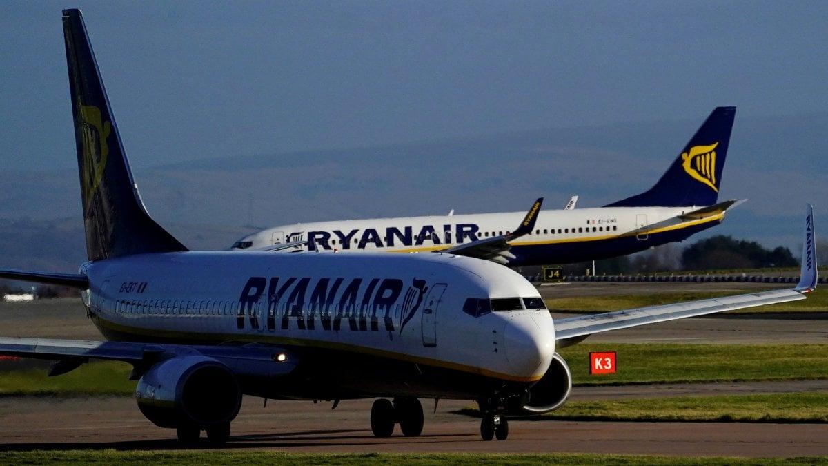 Palermo, Ryanair cancella sei voli per Milano, Roma e Pisa ...