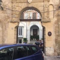 Palermo, artista di Manifesta trovato in una pozza di sangue