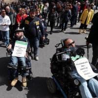 Sicilia, Musumeci firma il decreto per i disabili: Faraone interrompe lo