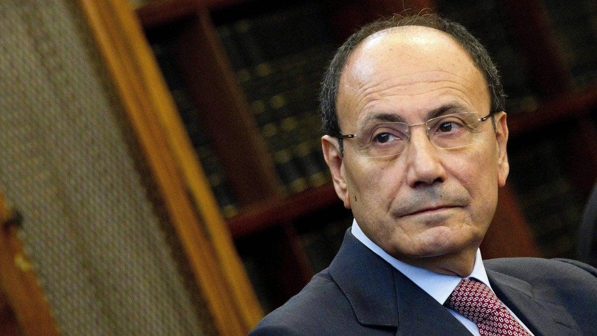 La procura di Caltanissetta muove una nuova accusa all'ex presidente