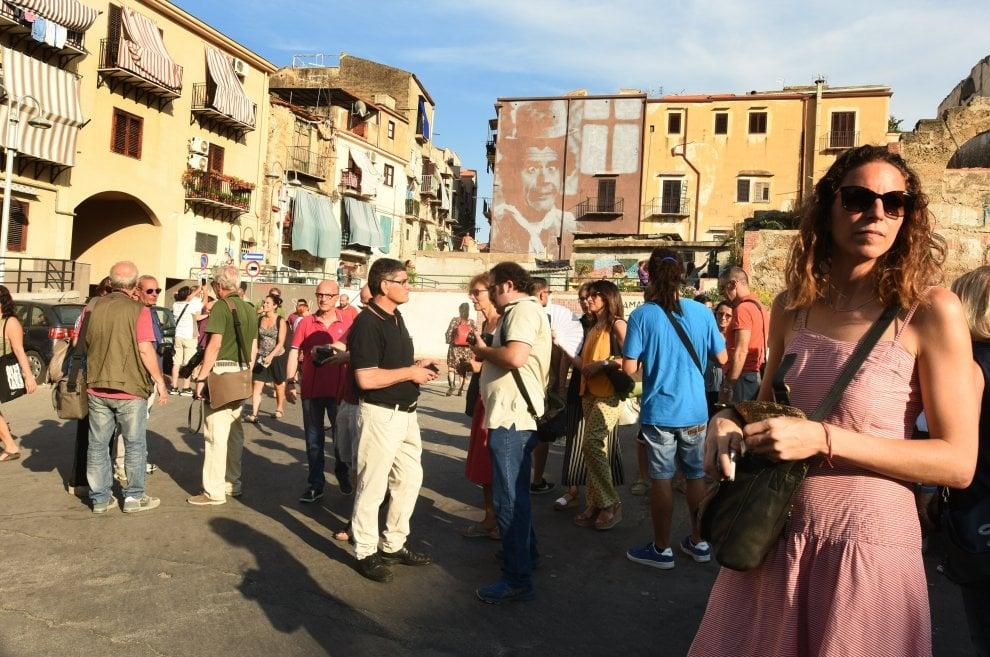 Palermo, tutti pazzi per i murales a Ballarò