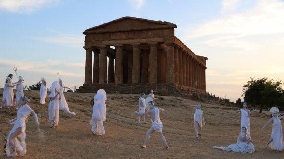 Arte e teatro all'alba fra Segesta e la Valle dei Templi. Gli appuntamenti di domenica 5 agosto