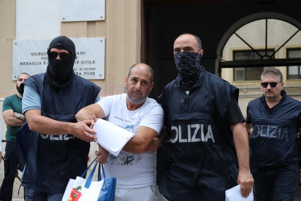 Fratture per truffare le assicurazioni, blitz a Palermo
