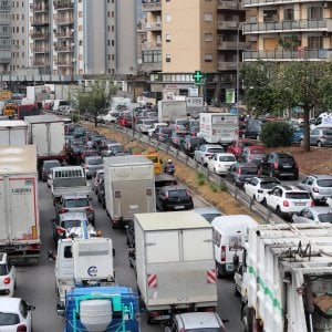 Palermo, dopo l'allarme fuga di gas: i lavori di riparazione ripresi in mattinata