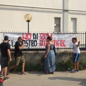 Palermo, rivolta contro le case ai rom: occupate 2 ville destinate alle famiglie provenienti dalla Favorita