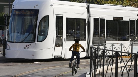 Scuole, tram, lampioni, caserme: ecco i fondi per le periferie bloccati a Palermo