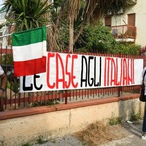 Palermo, le case dei rom: Diventerà Bellissima condanna l'occupazione