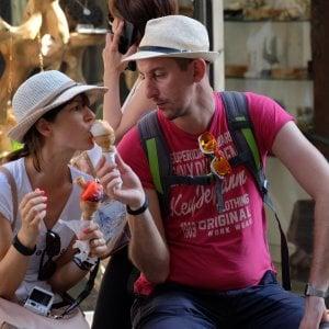 Palermo, turisti per strada, autostrade intasate e 31 gradi: così il Ferragosto in città