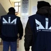 La mafia infiltrata negli stand del mercato ortofrutticolo: maxiconfisca