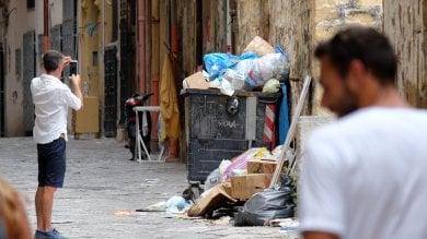 Palermo, cartolina con rifiuti  foto   itinerario Unesco assediato dall'immondizia