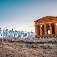Agrigento, in bianco alla Valle dei Templi in memoria di Genova