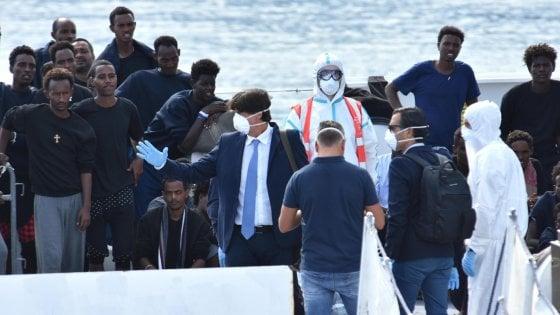 """Diciotti, l'atto d'accusa contro Salvini trasmesso a Palermo. Il pm Patronaggio: """"I migranti tenuti in ostaggio sulla nave"""""""