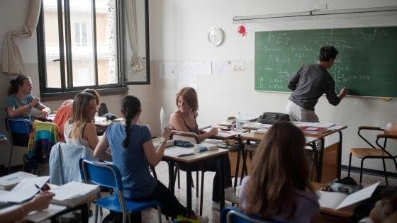 """Sicilia, i presidi sono troppo pochi: in una scuola su 3 è """"condiviso"""""""