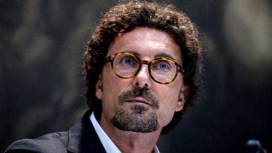 Toninelli smonta la riforma Delrio, nasce l'autorità portuale dello Stretto