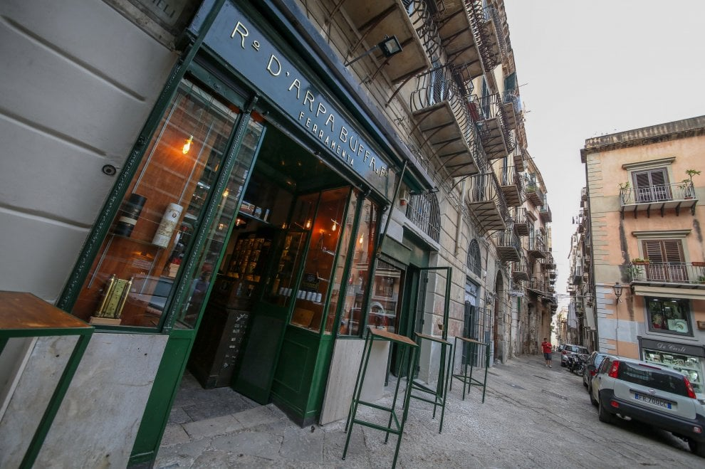 Palermo bistrot al posto dei negozi storici cos for Negozi di arredamento palermo