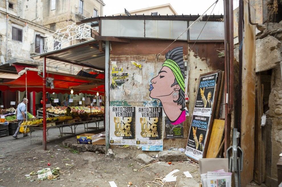 """Palermo, Ballarò """"a colori"""" nella poster art di Br1"""