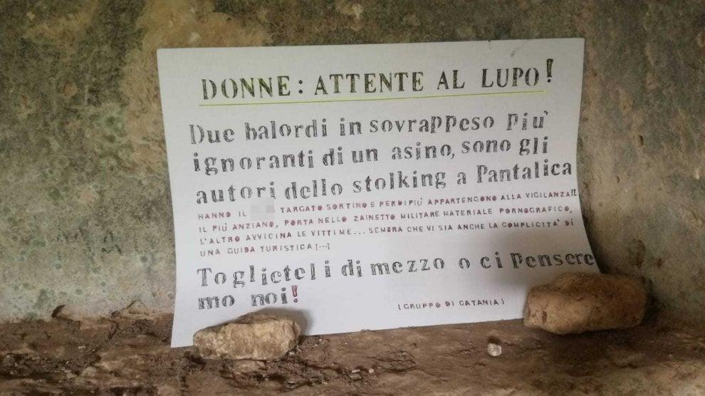 """""""Donne attente al lupo"""": il cartello che spaventa le turiste a Pantalica"""