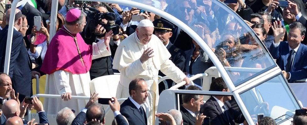 """""""Non si può credere in Dio ed essere mafiosi"""": il grido di papa Francesco contro i boss"""