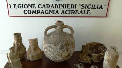 Catania, a casa di un pregiudicato sculture  di 2.500 anni fa e sciabole ottocentesche